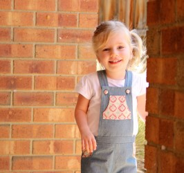 Playproof Dungaree by Serger Pepper Designs, sewn by Alex from Giddyants (1)