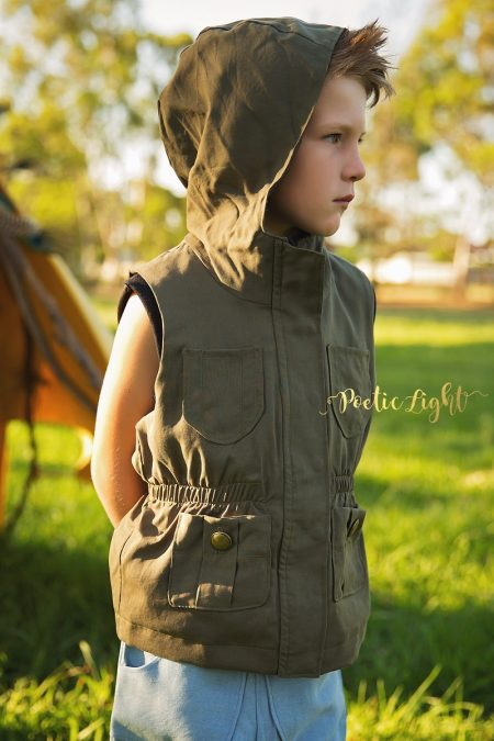 Thyme vest - front zippered view